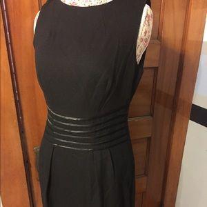 Banana Republic brand woman's sz 8 black dress